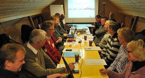 MANGE MØTER: Her er ordførere og ledere i Kongsbergregionen samlet.FOTO: AUDUN HASVIK