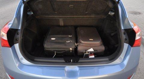 i30 laster 378 liter bagasje, 1316 liter når setene legges ned.