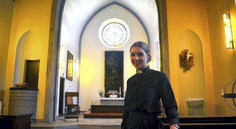 NY PREST: Jenny Marie Kvisler Lillevold er den nye sognepresten i Hernes kirke.