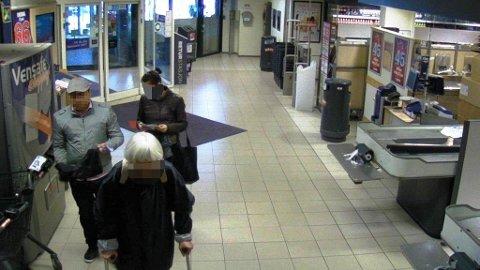 Mannen til venstre på bildet er pågrepet og innrømmer at han stjeler fra eldre mennesker. Hans kjæreste er også tatt.
