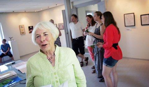 Leder i kunstforeningen syntes deltagerne hadde gjort gode utvelgelser blant arbeidene sine. – Det virker som gjennomtenkte arbeider, sier Ruth Lillian Brekke.