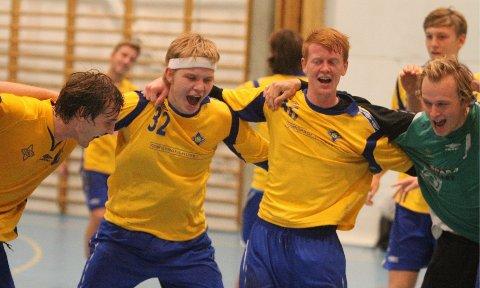 Jaaaa!: Christian O´Sullivan (venstre), Ørjan Gabrielsen, Espen Røhmer og Lars Erik Sørlie jubler etter seieren mot Fyllingen.