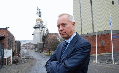 NRK Østfold melder at Peterson AS, moderselskapet til Peterson Paper, også er konkurs. Bobestyrer Tom Hugo Ottesen sier at konkursen skal granskes for å finne ut om verdivurderingene er gjort på en god og forsvarlig måte.