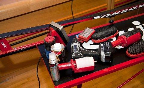 Mange nøler ikke med å bla opp tusenlapper for nye ski, men dropper å handle inn utstyr til smøring.