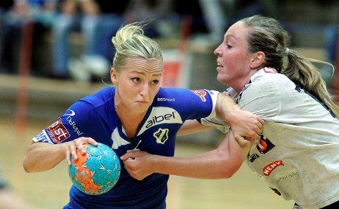 Stine Bredal Oftedal og Stabæk møter Byåsen til første semifinalekamp i sluttspillet i Nadderudhallen i kveld.