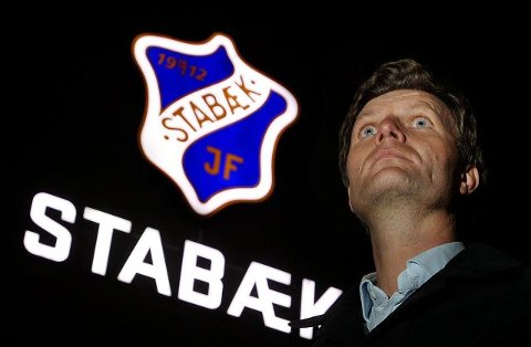 SKJEBNEDAGER: Styreleder Lars Holter-Sørensen kjemper for Stabæk Fotballs fremtid på Fornebu. Men han må vurdere retrett til Nadderud også. FOTO: KARL BRAANAAS