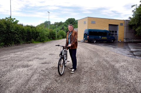 Syklister og gående er hjertelig velkomne på plassen mellom Mercurbanen og avdeling Christianslund til høsten, men biler vil utdanningsleder Hans Aker og Frederik II videregående skole ha bort på dagtid.