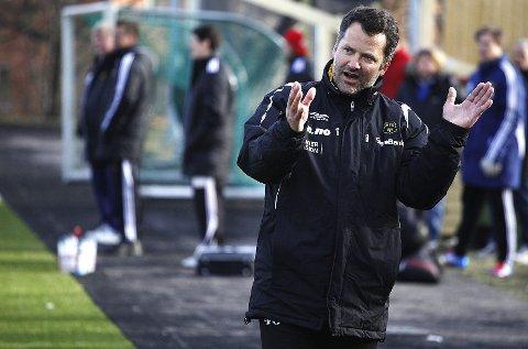 MFK-trener Tor Thodesen hadde kniven på strupen før lørdagens kamp.