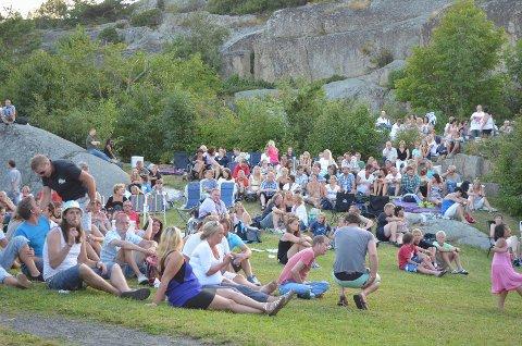 Kjerringvikfestivalen ble i år arrangert for 16. gang. Det første året var besøkstallet 900, i år var det solgt 1.500 billetter før selve festivaldagen.