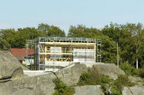 IKKE BOPLIKT: Bolig under oppføring i Liaveien på Hvasser. Foto: Terje Wilhelmsen
