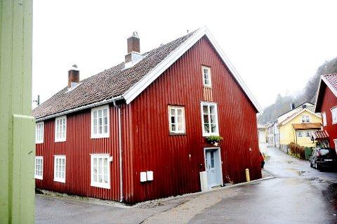 Fattighuset fra 1762 ble reddet av ekteparet. Foto: Anne Charlotte Schjøll