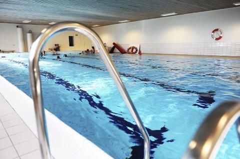 Badegjester kan igjen glede seg over at bassenget ved Bokemoa skole er åpent etter skoletid.