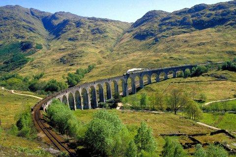 I Norge sier vi at Flåmsbana er vakrest i verden, men i Skottland er ingen i tvil om at strekningen Inverness – Kyle of Lochalsh (bildet) er den flotteste.
