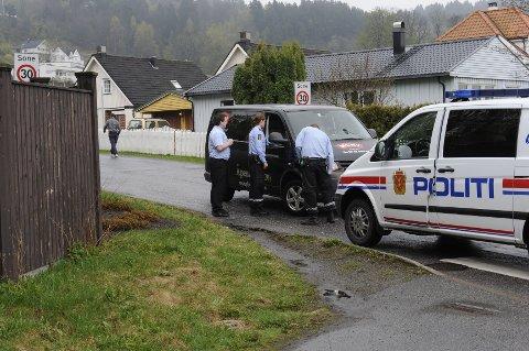 Én person ble arrestert av politiet etter at daglig leder Hans Gunnar Wolf og butikksjef Kenneth Bolt fulgte etter ham bortover Hegnaveien.
