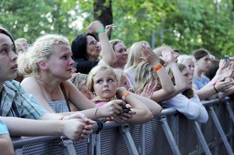RØRT: Vinni trakk alle generasjoner til messekonserten.
