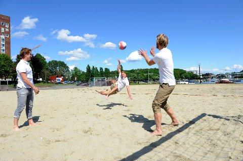 40 lag stiller til dyst i sanden når Sommerfjord Beachfotball arrangeres i Hesteskoen.