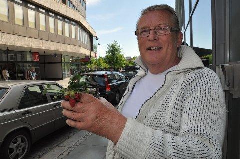 17. mai kom de første jordbærene hjemme hos Leif R. Gulliksen.