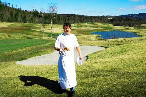 Terje Ness serverte i flere år mat fra restauranten ved golfbanen på Haga i Bærum.