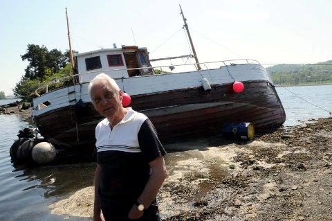 Knut Rander Næss var bekymret da fiskeskøyta gikk på grunn ved Løvøya i Horten i mai.