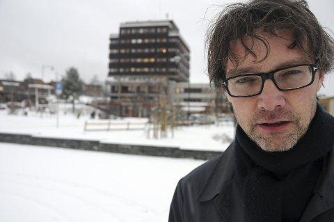 STÅR PÅ VIDERE: Ordfører Bersvend Salbu vil stå på videre for at helsearkivet på Tynset kommer med i revidert nasjonalbudsjett til våren.                                                                                                        foto: Jon Iver Grue