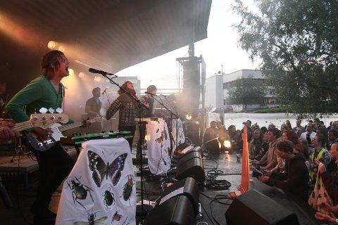 Konserten med de lokale heltene i Team Me var mest  besøkt. 700 så dem i Elvarheimsparken.