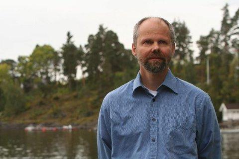 ALVORLIG SYK: Hall Skåra fra Kolsås har en sjelden lungesykdom, men evner likevel å se positivt på livet. I helgen var han og andre personer med sykdommen samlet til seminar på Holmen Fjordhotell. FOTO: KJETIL OLSEN VETHE