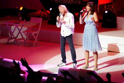 Jahn Teigen og Anita Skorgan i aksjon på Oseberg kulturhus sommeren 2009.