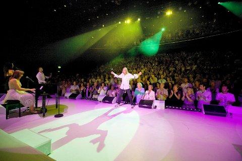 Jahn Teigen dro fulle hus da han kom hjem til Tønsberg sommeren 2009 og spilte show på Oseberg kulturhus.