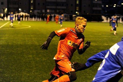 Sindre Svadberg (22), som spiller for henholdsvis Runar og Ilford, målte krefter mot SF i går.