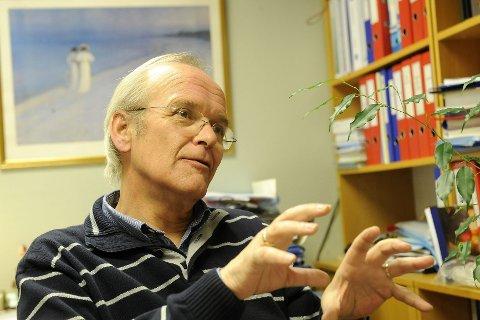 Skatteoppkrever Per Moe Arnesen ber om at alle som vil unngå å betale renter på restskatt, gjør dette innen 31. mai. Arkivfoto: Per Langevei