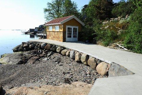 Politikerne krever hele denne murplattingen i Lahellekroken 4 fjernet.