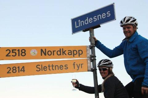 Rasmus Johansen og Ann Iren Bjørnarå syklet 275 mil i løpet av 25 dager.