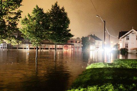 Slik så det ut i Mjøndalen natt til tirsdag.