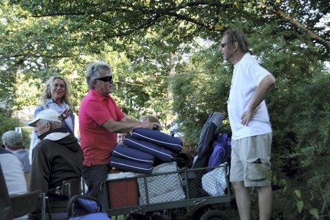 ERFARNE: Camilla Hartmark Aas, Frode Rustøy og Cedric Archer har vært på festival før og har fått med seg det meste i vogna.