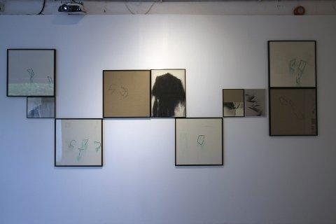 """Det er tre visningsrom på House of Foundation. På visningsrom 1 har kunstnergruppen Ytter utstillingen """"Å bære tegn""""."""