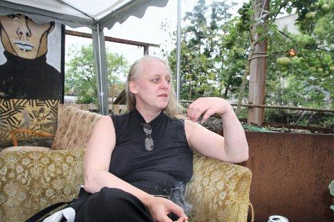 Designer og kurator for Audiatur bokhandel (en del av House of Foundation) Judith Nærland, liker seg godt på festivalen