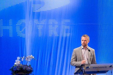 Partiet har i utkastet endret syn på vigselsordningen etter en lang runde internt, forteller nestleder Bent Høie.