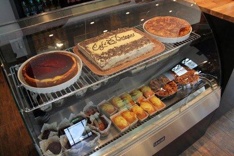 SØTT OG SALT: Café Detapas vil servere desserter, kaker, smørbrød og tapas. FOTO: KIM VAN DER LINDEN
