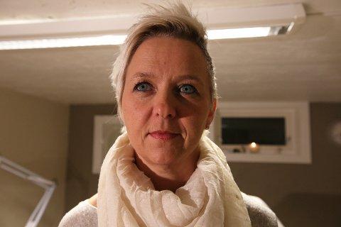 Slik så Grethe Paulshus' øyebryn ut før Iverna Veidahl stylet dem.