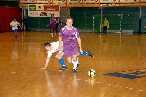 Stian Adde Johannessen ble nok en gang toppscorer for Sandefjord Futsal. I helgens tre eliteseriekamper signerte han seks scoringer. Jon Midttun Lie scoret tre i sin futsaldebut.Arkivfoto: Espen Ringdal Andersen