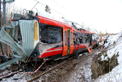 flirt togavsporing Ulykken nord for nykirke februar 2012, under prøvekjøring av et av flirt-settene type 74 foto: peter fiskerstrand liste over norske jernbaneulykker listen.