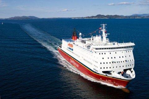 Denne ferja, «Bergensfjord», kan komme til å bli et fast innslag på havna i Sandefjord hvis alle brikker faller på plass for selskapet som kjemper for å få fotfeste.