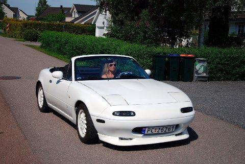 Når bilen skyter fart, kommer smilet frem hos Andersen.