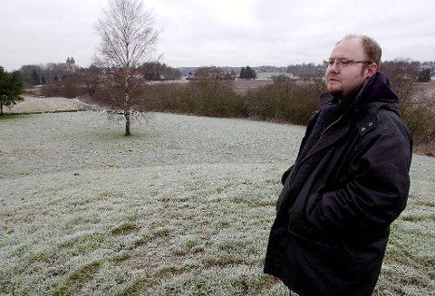 Terje Gansum, leder i Kulturarv, ble ikke kontaktet før Tønsberg kommune begynte å grave for å legge nye kloakkrør noen hundre meter fra Oseberghaugen.