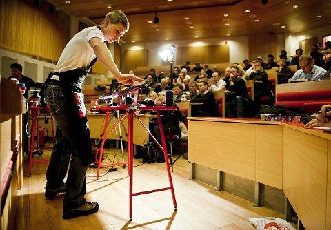 Henrik Johnsen er racingansvarlig i Swix Norge og holder jevnlig kurs i riktig smøreteknikk om vinteren.