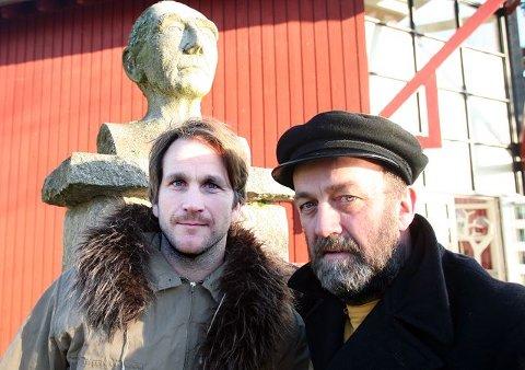 Gamle tomter Axel Aubert (til venstre) og Terje Brevik spiller henholdsvis Roald Amundsen og Fridtjof Nansen. BEGGE FOTO: ARE BYE