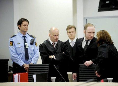 Anders Behring Breivik fotografert i retten i går. FOTO: ANNE CHARLOTTE SCHJØLL