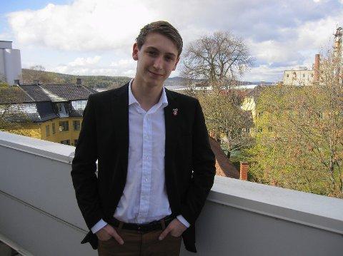 - Vi stiller ikke til valg. Derfor er vi ikke et politisk parti, sier Alexander Leirstein.
