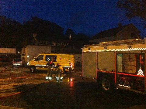 Brannen som brøt ut i verkstedet Pitstop lørdag natt førte til at Rådhusbroen ble midlertidig stengt. Nå har politiet funnet årsaken til brannen.