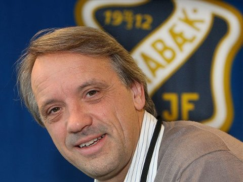 AVVISER: Styreleder i Stabæk Holding AS hevder at flerbruk ikke er mulig sammen med fotball. Det tror jeg ikke noe på! skriver Stabæk-leder Einar Schultz. FOTO: KARL BRAANAAS